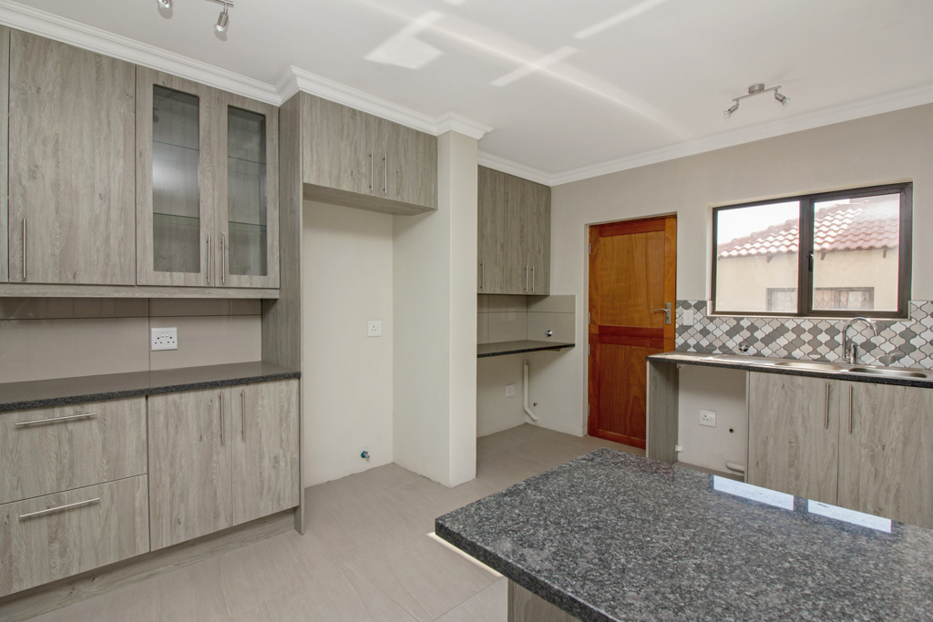 3 Bedroom House for sale in Ruimsig LH-5244 : photo#3