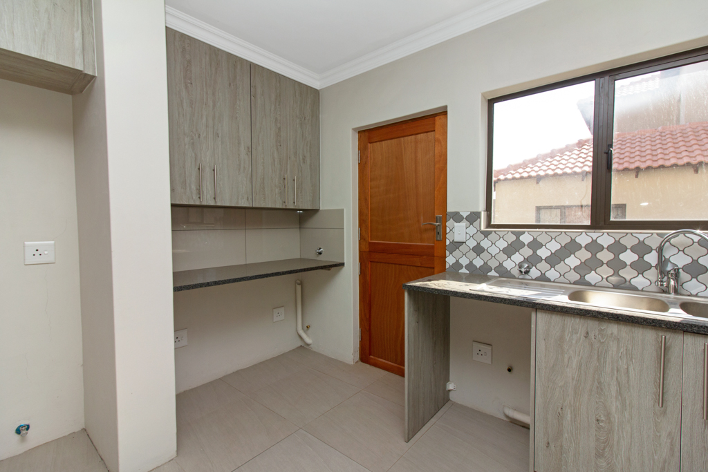 3 Bedroom House for sale in Ruimsig LH-5244 : photo#5