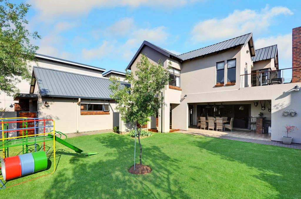 4 BedroomHouse For Sale In Glen Erasmia