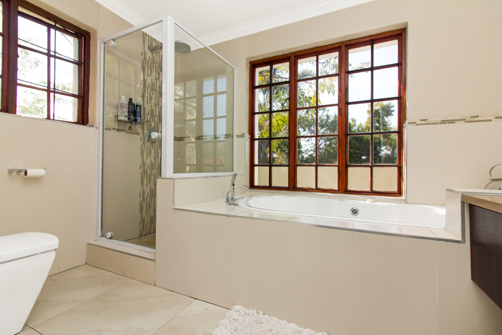 4 Bedroom House for sale in Fourways LH-5306 : photo#16