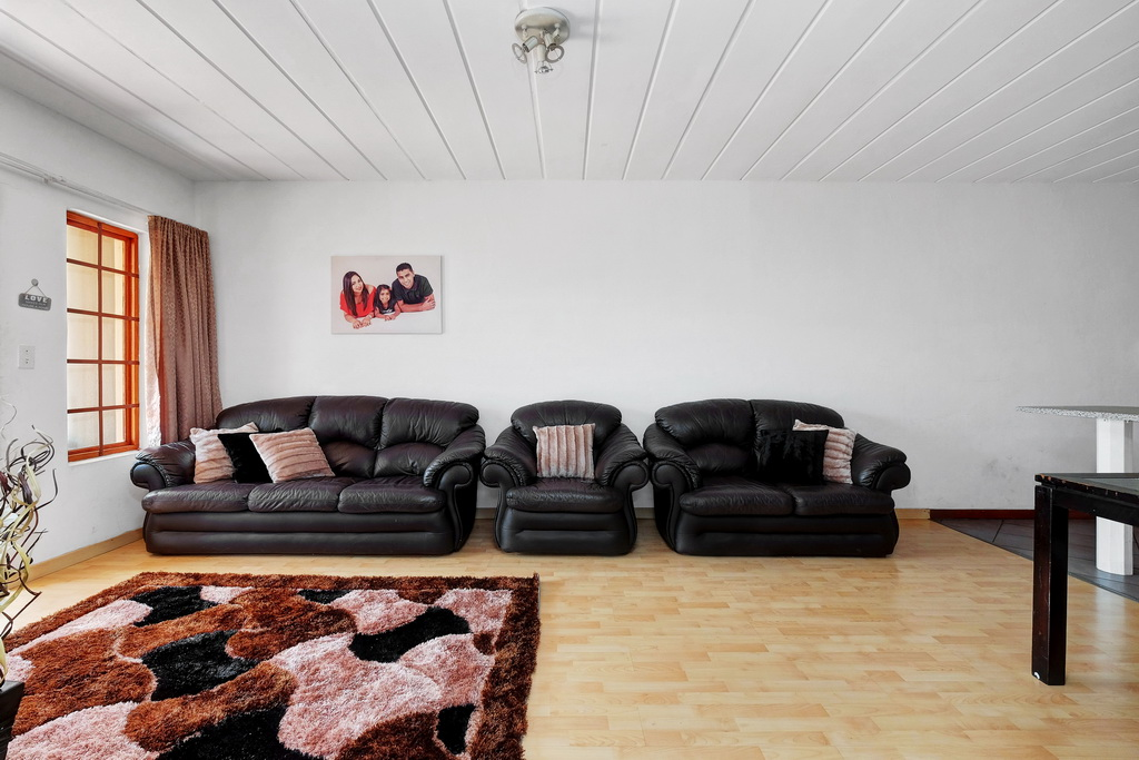 3 Bedroom Apartment for sale in Winchester Hills LH-5316 : photo#2