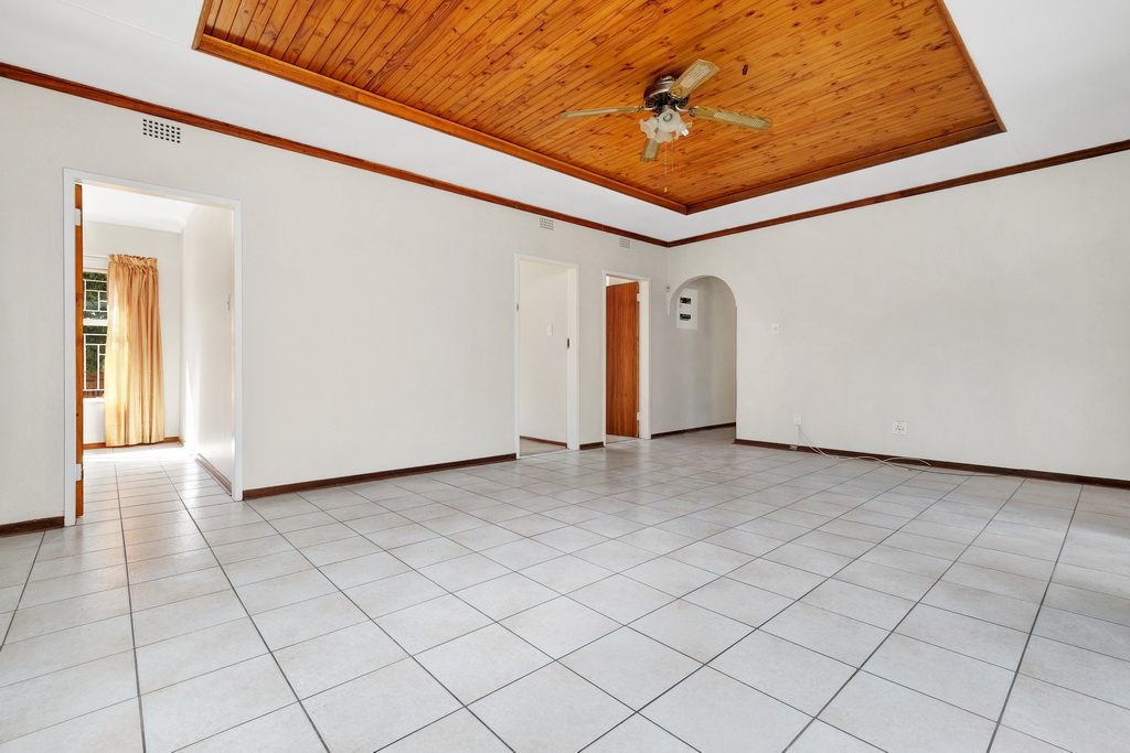 4 Bedroom House for sale in Pomona LH-5398 : photo#8