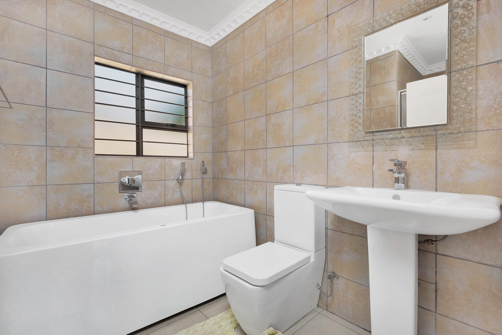 3 Bedroom House for sale in Alan Manor LH-5426 : photo#15