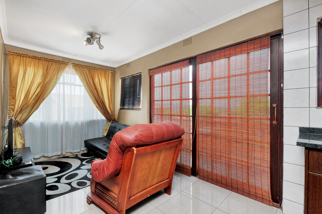 3 Bedroom House for sale in Alan Manor LH-5426 : photo#17