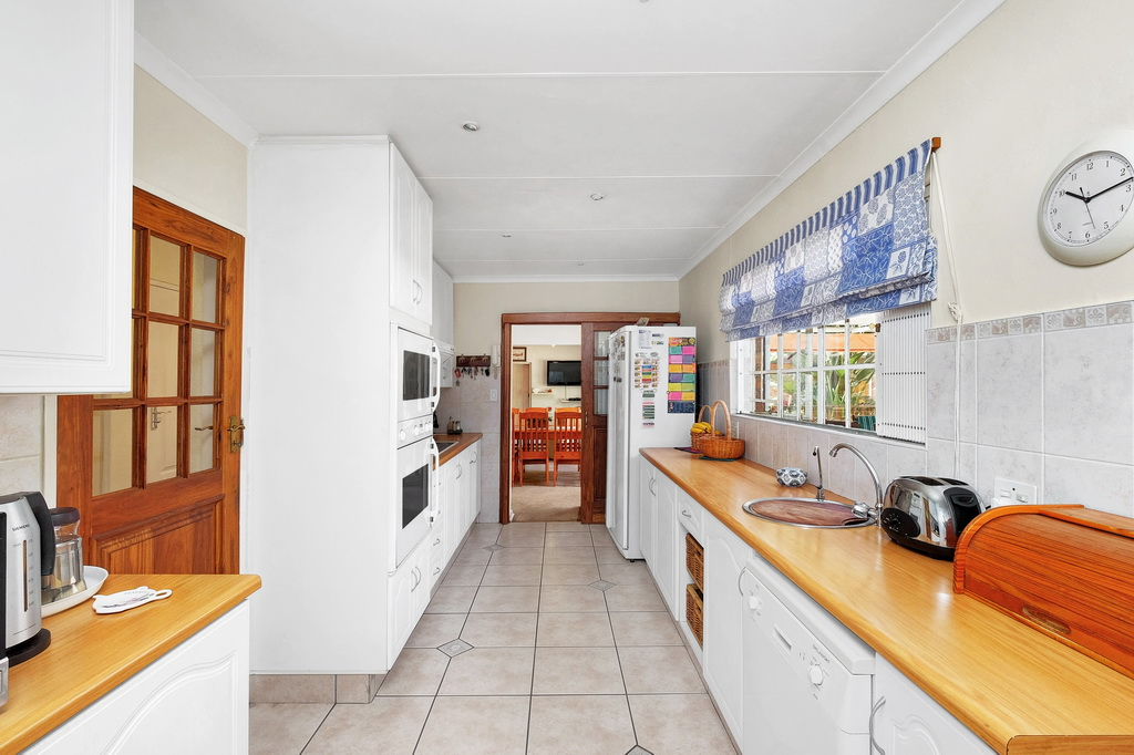 4 Bedroom House for sale in Morehill Ext 2 LH-5427 : photo#7