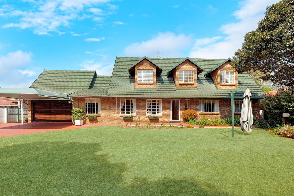 4 Bedroom House for sale in Morehill Ext 2 LH-5427 : photo#0