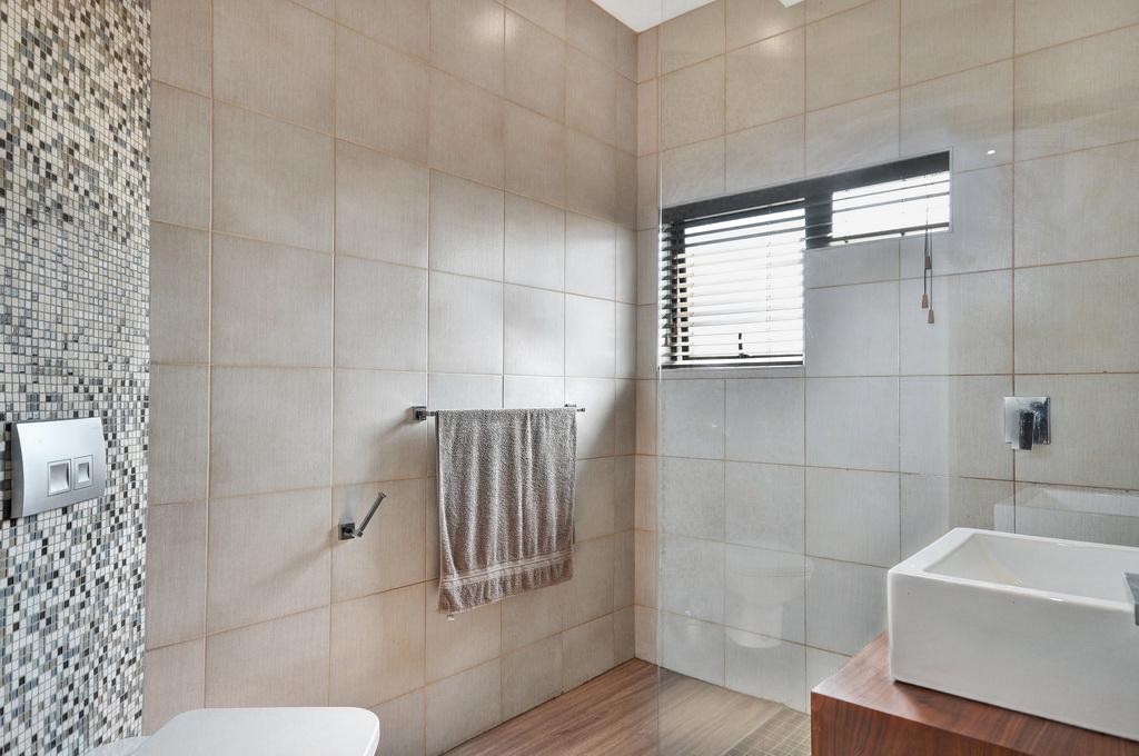 4 Bedroom House for sale in Glen Erasmia LH-5456 : photo#17