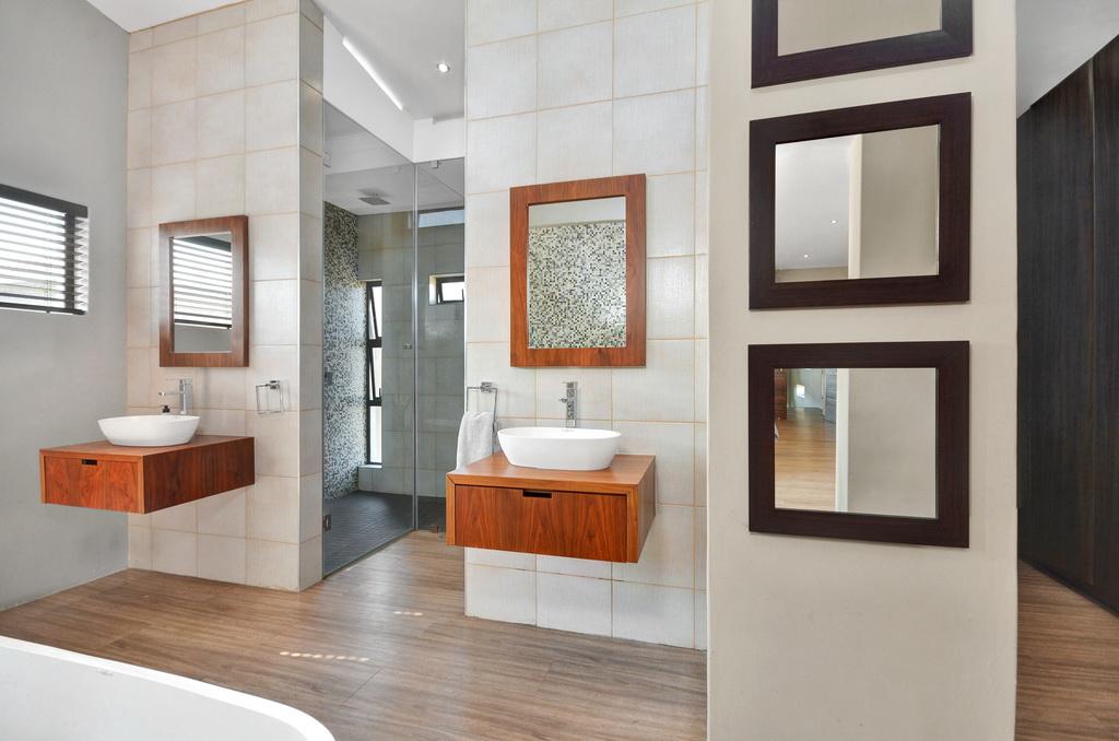 4 Bedroom House for sale in Glen Erasmia LH-5456 : photo#13
