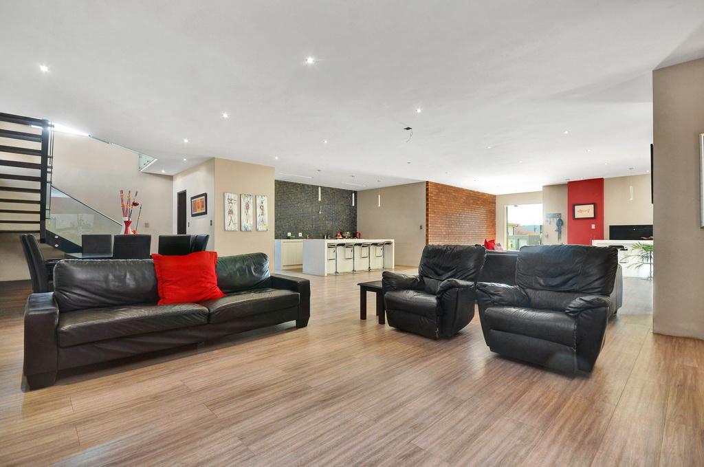 4 Bedroom House for sale in Glen Erasmia LH-5456 : photo#3