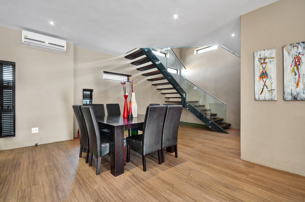 4 Bedroom House for sale in Glen Erasmia LH-5456 : photo#1
