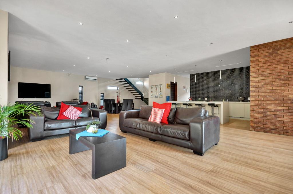 4 Bedroom House for sale in Glen Erasmia LH-5456 : photo#2
