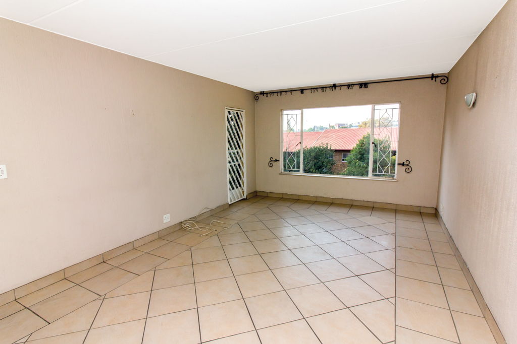 2 Bedroom Apartment for sale in Ferndale LH-5463 : photo#1
