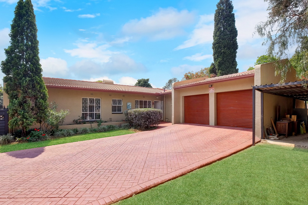 4 Bedroom House sold in Brackendowns LH-5474 : photo#19