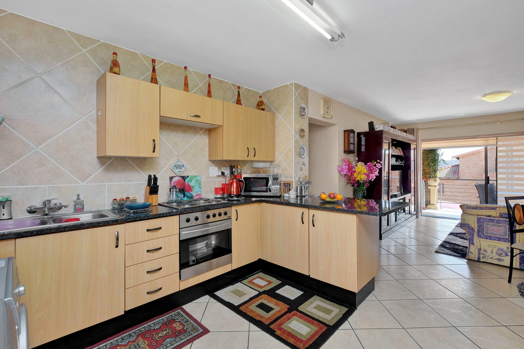3 Bedroom Apartment for sale in Mulbarton LH-5506 : photo#1
