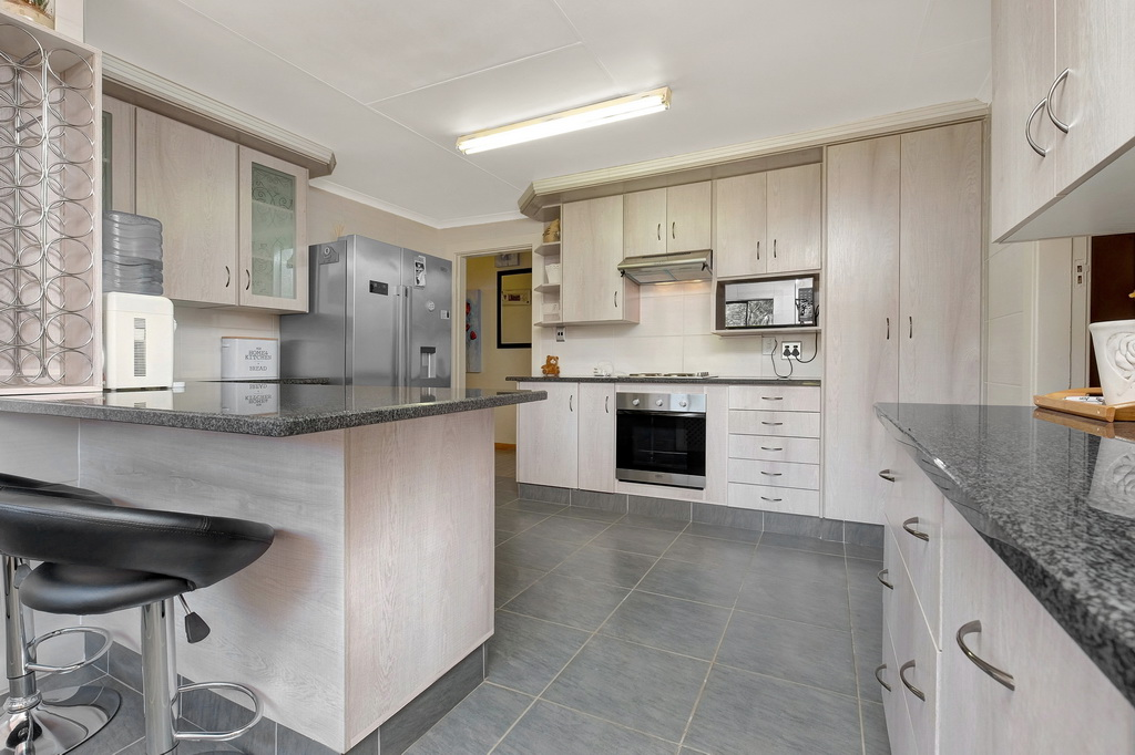 3 Bedroom House for sale in Airfield LH-5515 : photo#2