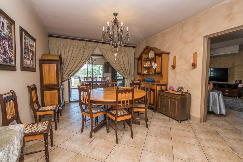 4 Bedroom House for sale in Eldoraigne LH-5520 : photo#7