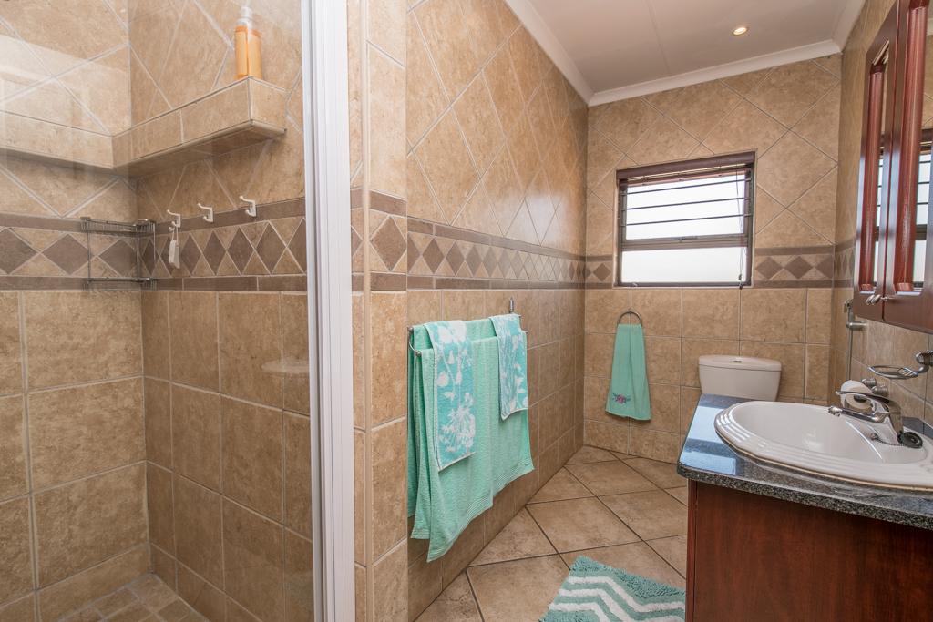 4 Bedroom House for sale in Eldoraigne LH-5520 : photo#20