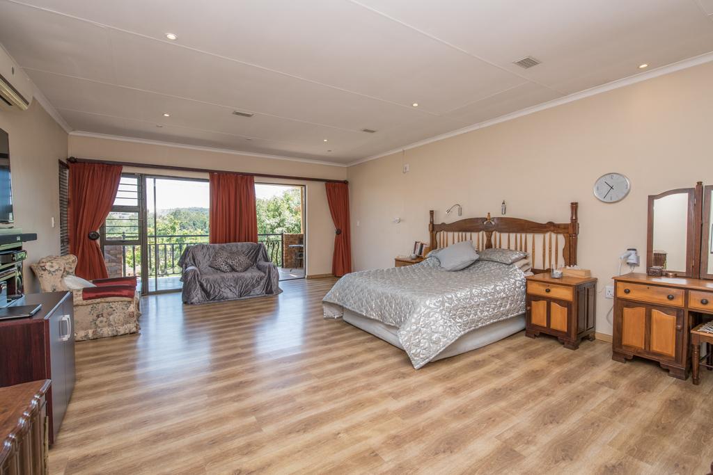 4 Bedroom House for sale in Eldoraigne LH-5520 : photo#23