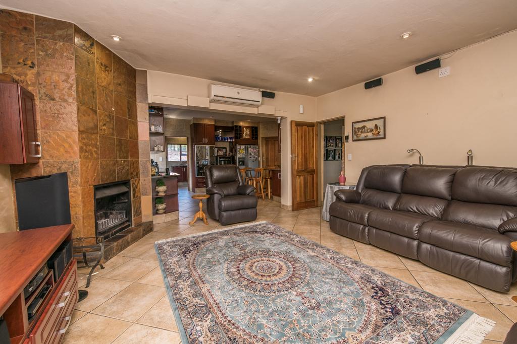 4 Bedroom House for sale in Eldoraigne LH-5520 : photo#28