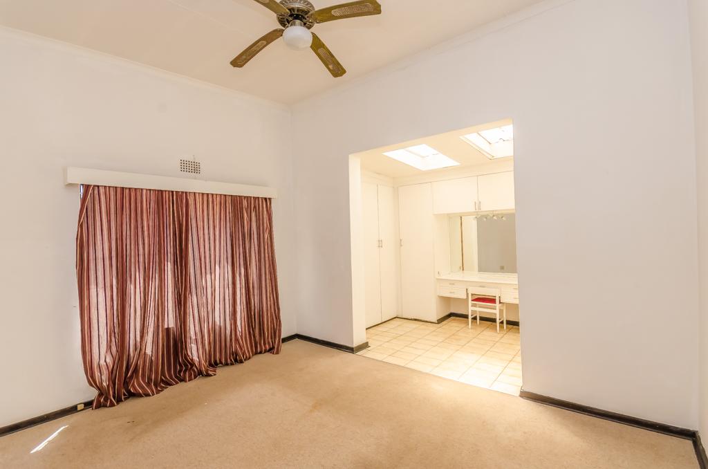 4 Bedroom House pending sale in Birch Acres LH-5524 : photo#13