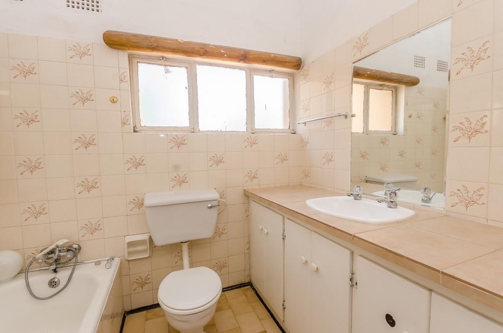 4 Bedroom House pending sale in Birch Acres LH-5524 : photo#15