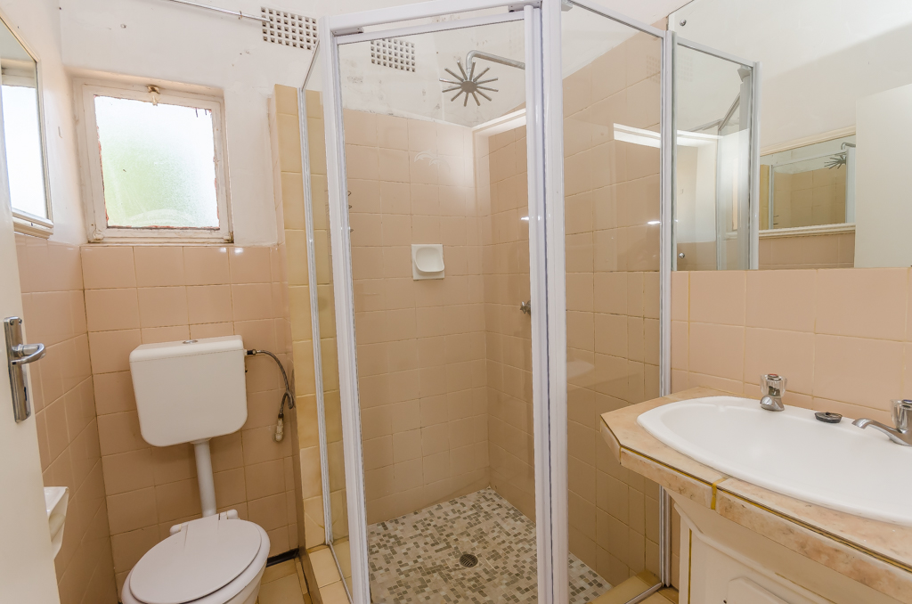 4 Bedroom House pending sale in Birch Acres LH-5524 : photo#16