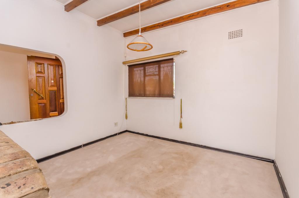 4 Bedroom House pending sale in Birch Acres LH-5524 : photo#4