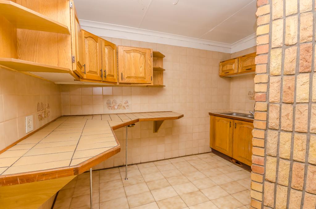 4 Bedroom House pending sale in Birch Acres LH-5524 : photo#8