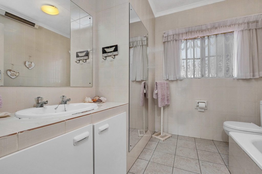 3 Bedroom Townhouse pending sale in Ridgeway LH-5530 : photo#8