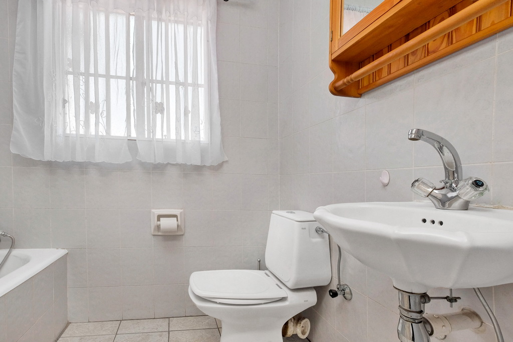 3 Bedroom Townhouse pending sale in Ridgeway LH-5530 : photo#13
