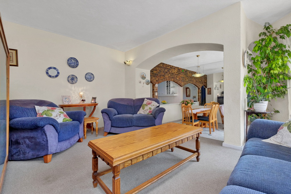 3 Bedroom Townhouse pending sale in Ridgeway LH-5530 : photo#5