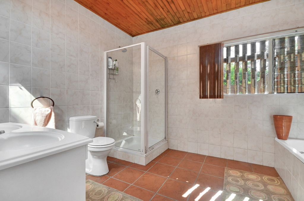 4 Bedroom House for sale in Mondeor LH-5551 : photo#16