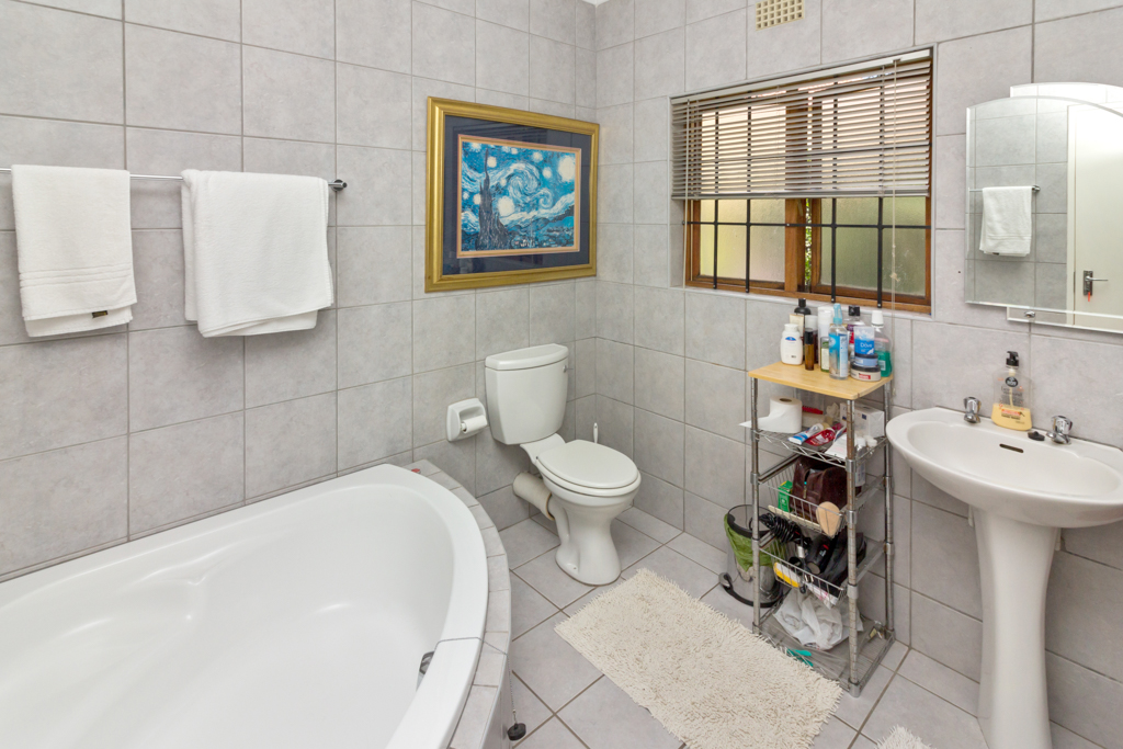 3 Bedroom House for sale in Douglasdale LH-5555 : photo#9