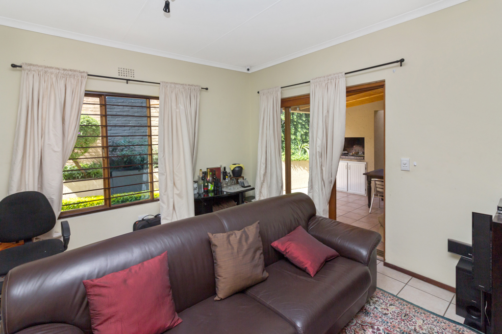 3 Bedroom House for sale in Douglasdale LH-5555 : photo#14