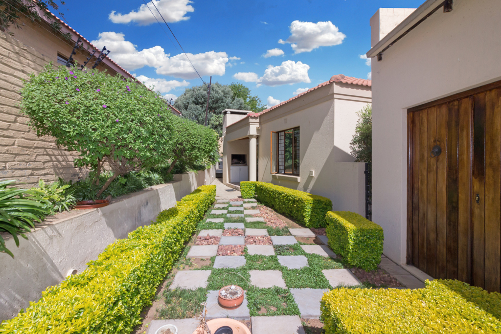 3 Bedroom House for sale in Douglasdale LH-5555 : photo#16
