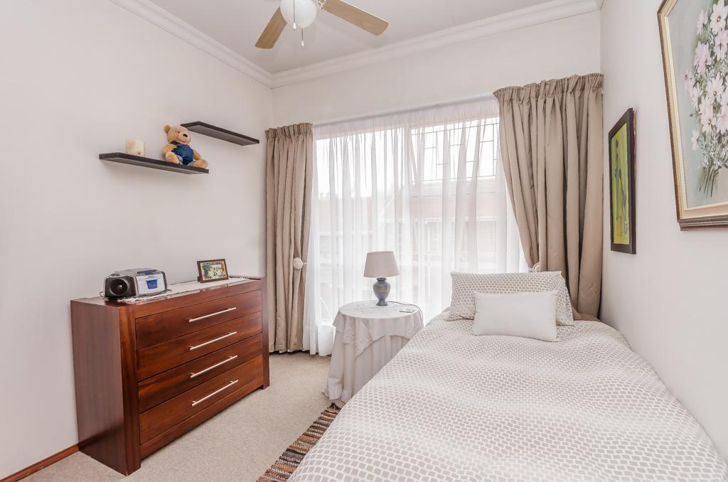 3 Bedroom Townhouse for sale in Eldoraigne LH-5579 : photo#9