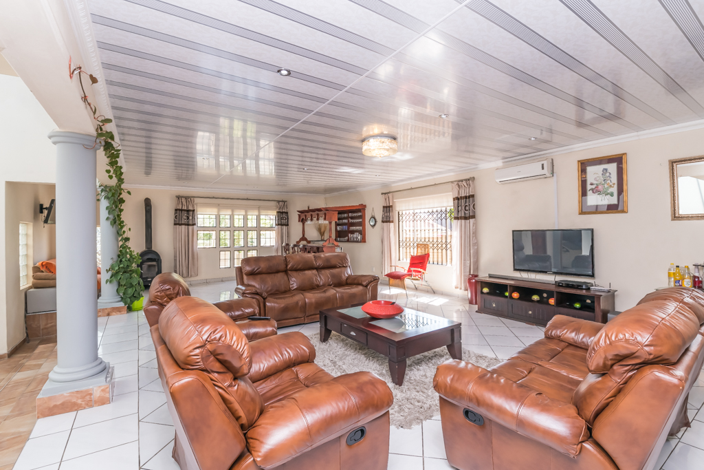 5 Bedroom House for sale in The Reeds LH-5727 : photo#4