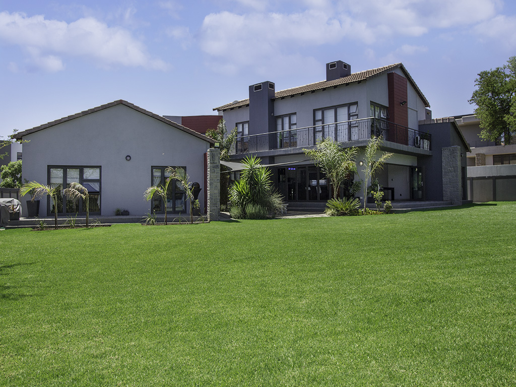 5 BedroomHouse For Sale In Silver Lakes