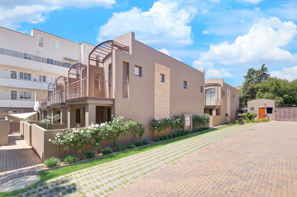 2 BedroomTownhouse For Sale In Melrose North
