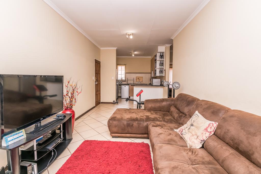2 BedroomApartment For Sale In Karenpark