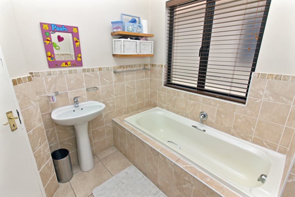 3 Bedroom House for sale in Kyalami Glen LH-5796 : photo#20