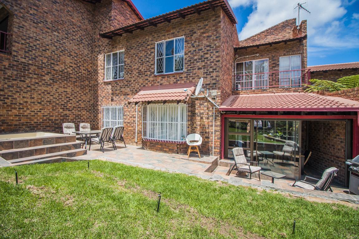 2 Bedroom Townhouse for sale in Ridgeway LH-5872 : photo#1