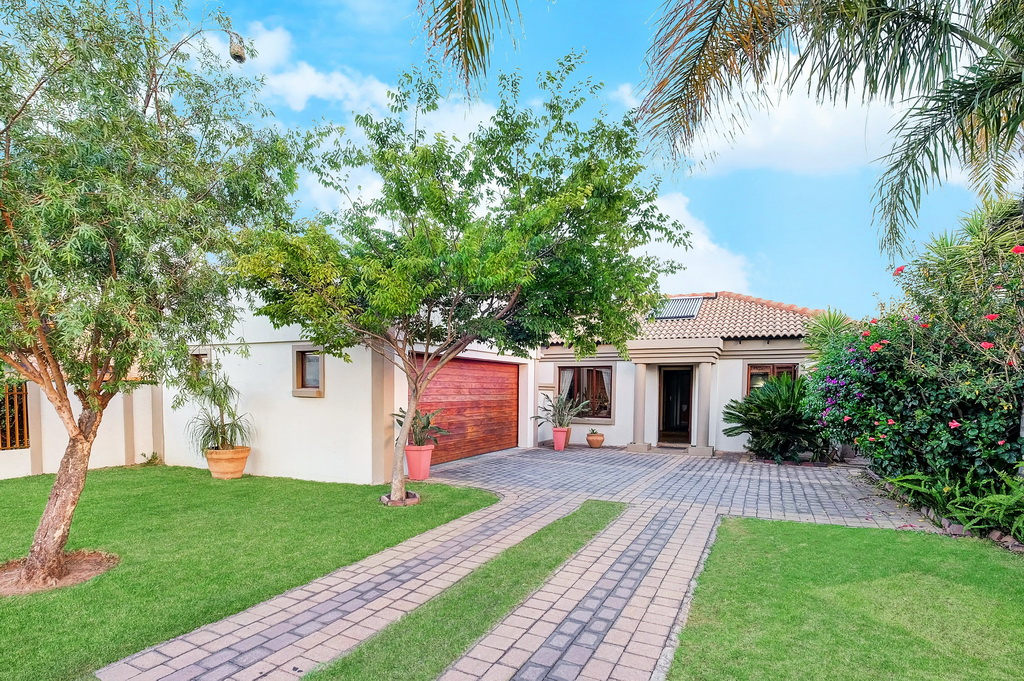 3 BedroomHouse For Sale In Parkhaven