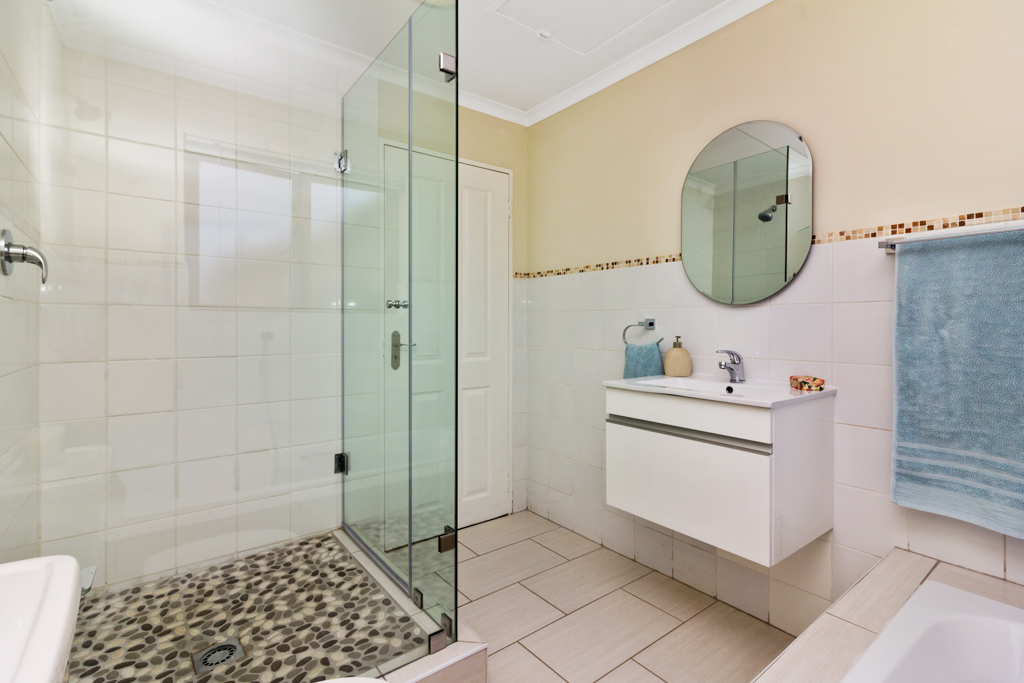 3 Bedroom House for sale in Fourways Gardens LH-6038 : photo#15