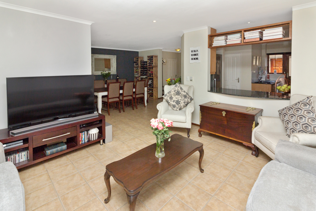 3 Bedroom House for sale in Fourways Gardens LH-6038 : photo#1