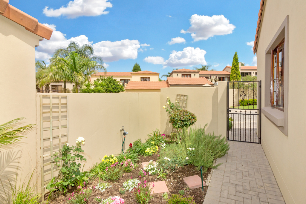 3 Bedroom House for sale in Fourways Gardens LH-6038 : photo#27