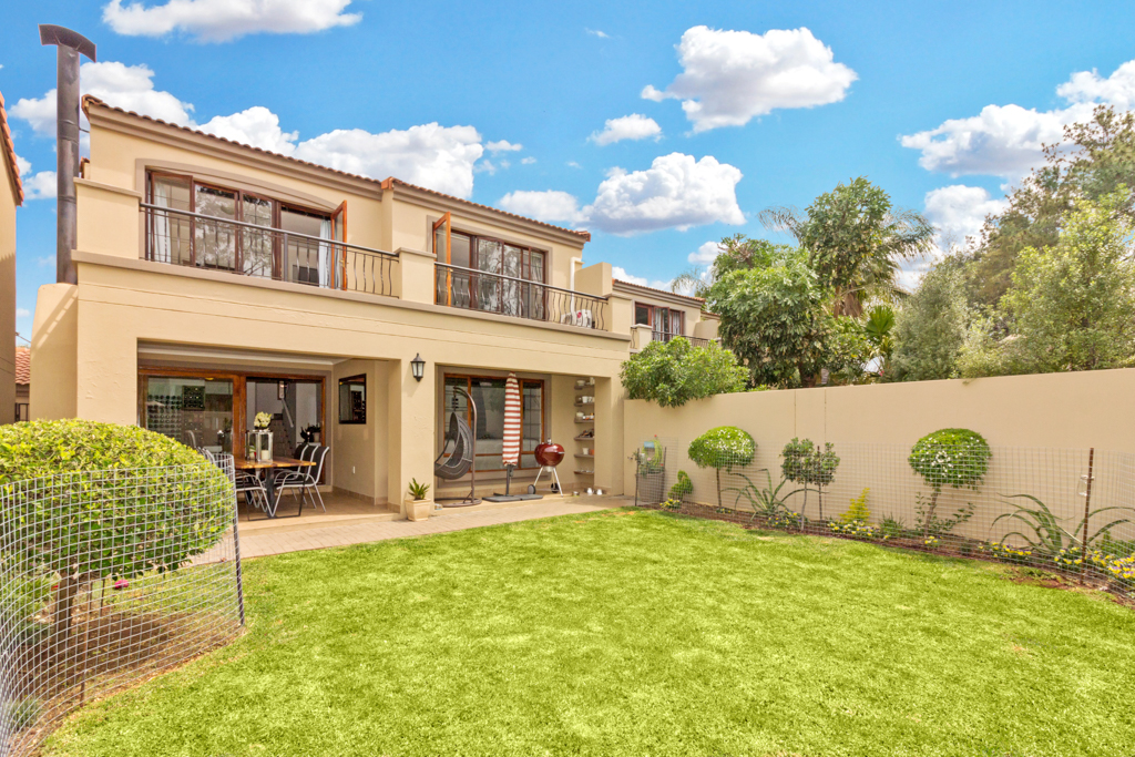 3 Bedroom House for sale in Fourways Gardens LH-6038 : photo#0