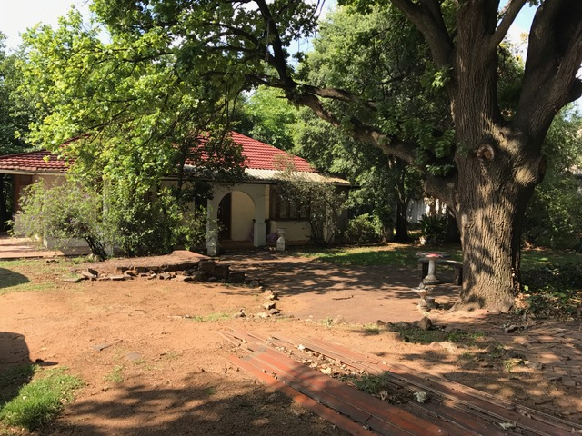 2 BedroomHouse For Sale In Parktown North
