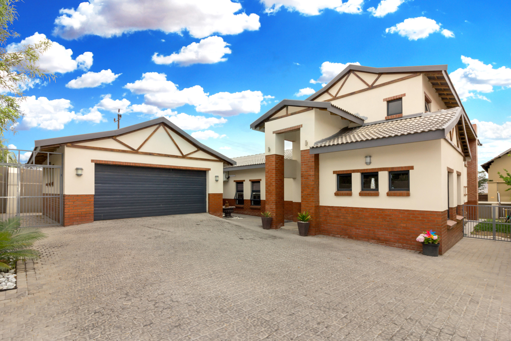 3 BedroomHouse For Sale In Summerset