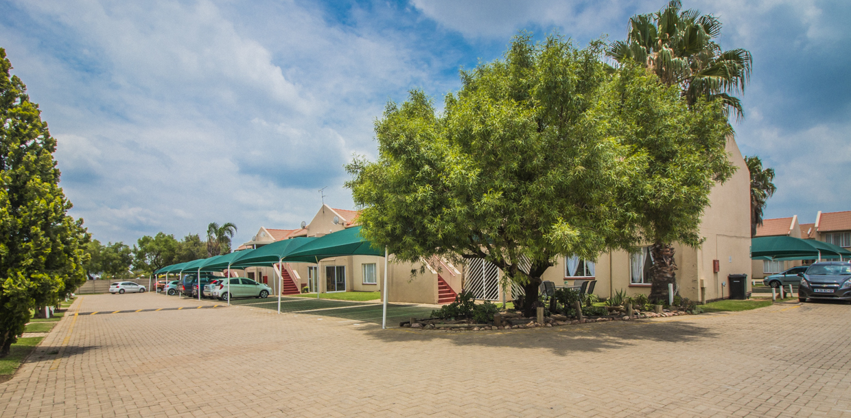 2 BedroomTownhouse For Sale In Beyers Park